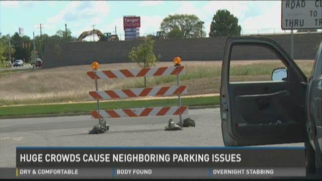 Huge crowds at Tanger Outlets cause neighboring parking issues