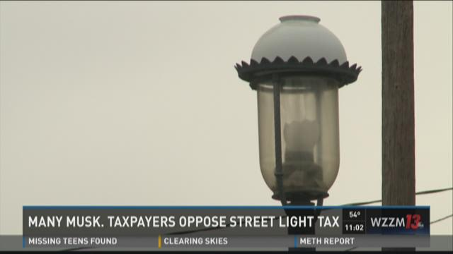 Many Muskegon taxpayers oppose street light plan