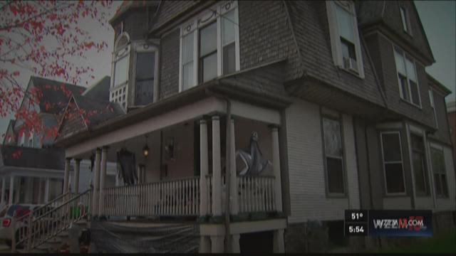 """Residents share their experiences from inside Kalamazoo's """"Haunted Hopkins House."""""""